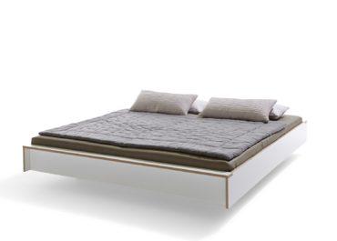 Кровать из ламинированной фанеры Simple