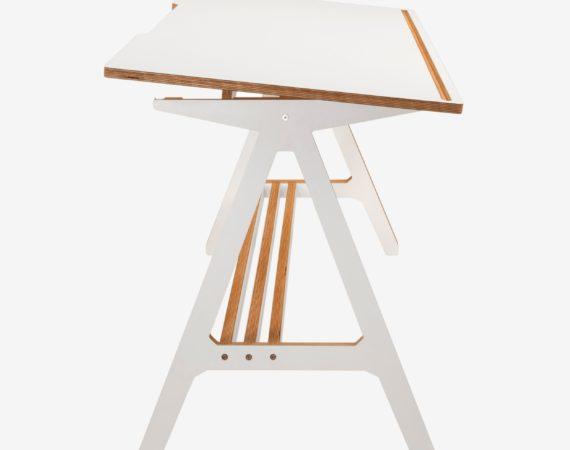 Стол из ламинированной фанеры Draw